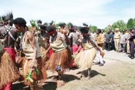 Tarian tradisonal Suku Kamoro